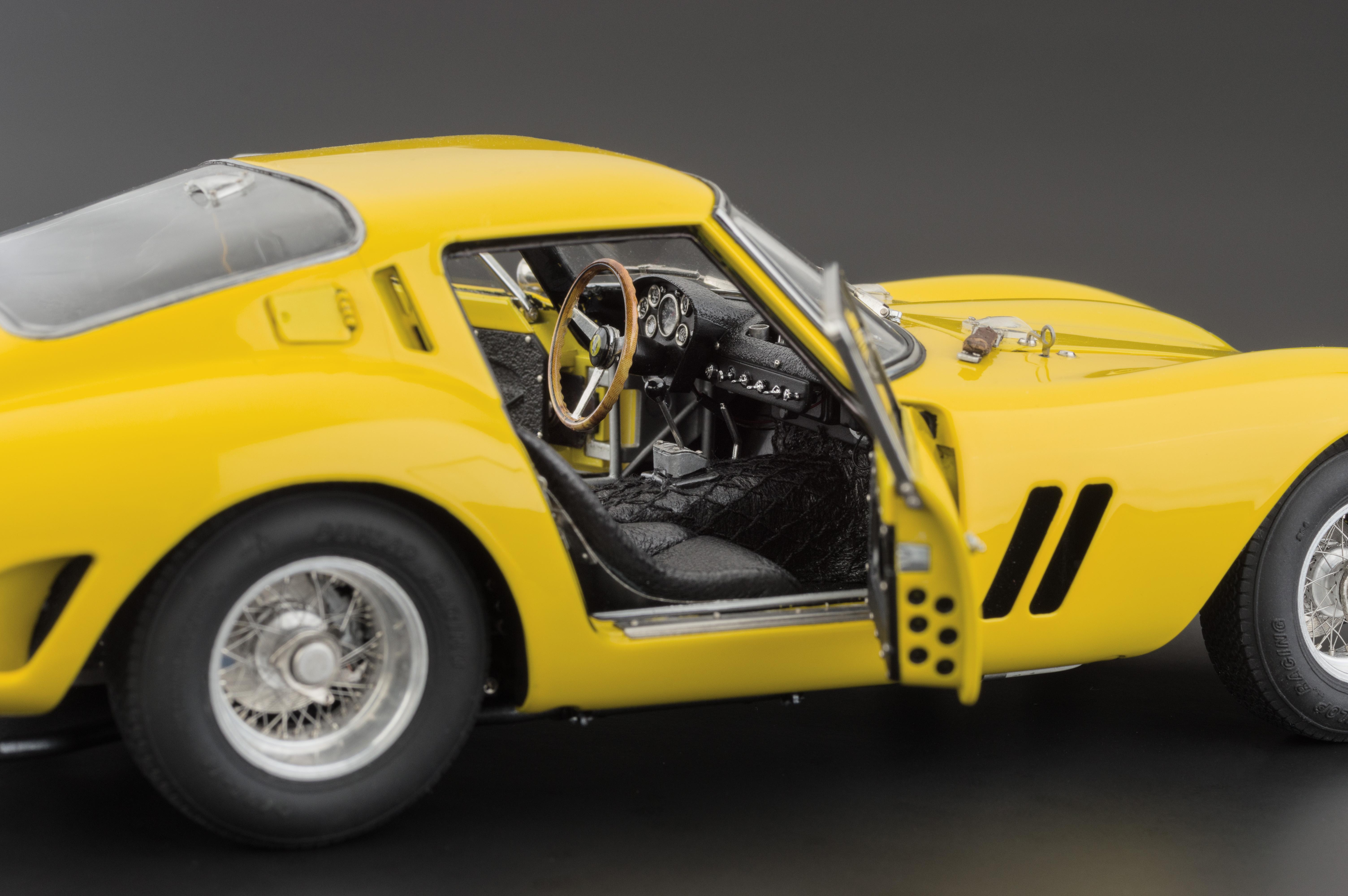 Yellow USA M-153 1:18 Scale CMC-Classic Model Cars Ferrari 250 GTO 1962 Limited Edition Vehicle