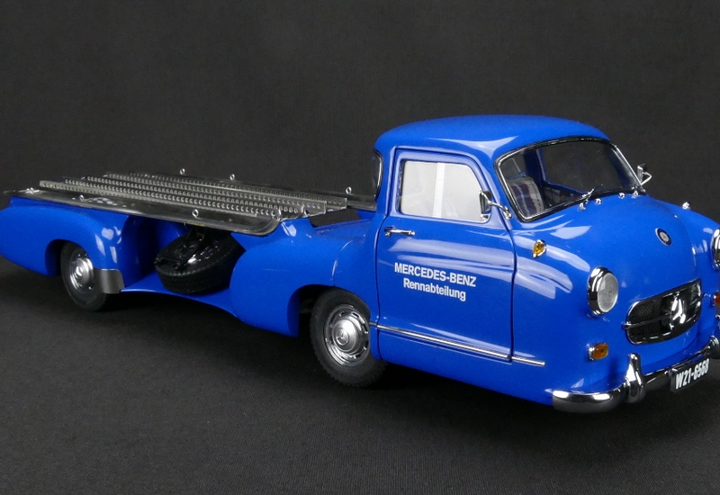 Mercedes-Benz Racing Car Transporter 1955